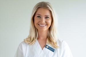 Osteopat og massør Anna Emilie Aamodt